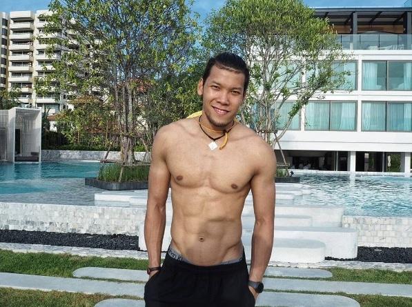 10 นักเตะไทยหล่อโคตร